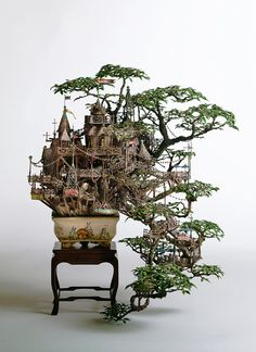 Funny pictures about Bonsai Tree Castle. Oh, and cool pics about Bonsai Tree Castle. Also, Bonsai Tree Castle photos. Miniature Trees, Miniature Houses, Miniature Gardens, Fairy Houses, Tree Houses, Japanese Artists, Model Homes, Ikebana, Creations