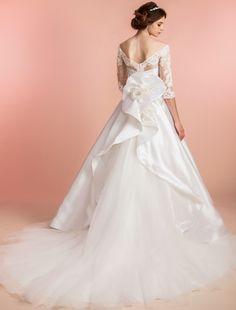 ウエディングドレス、高品質な結婚式ドレスならW by Watabe Wedding / Aライン ネックライン・ビスチェ・オフショルダー
