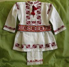costume populare bebelusi botez - Căutare Google Tunic Tops, Costumes, Folk, Baby, Women, Fashion, Embroidery, Moda, Dress Up Clothes