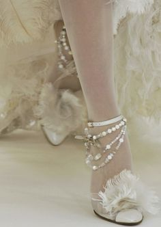 chanel Spring 2006 haute couture so Marie! Bridal Shoes, Wedding Shoes, Chanel Wedding, Chanel Couture, Chanel Runway, Couture Shoes, Chanel Shoes, Coco Chanel, Chanel Pearls