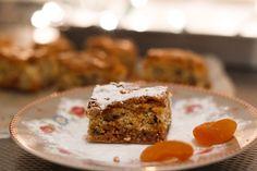 Ook al staan er veel chocoreceptjes op www.zoetrecepten.nl, zelf ben ik niet zo'n chocoladefanaat. Hoewel, tegen een stukje witte chocolade zeg ik geen nee. Ik kon daarom niet wachten om deze blondies te maken, de tegenhanger van de brownie! Je bent er iets langer mee bezig dan met een simpele brownie, door het snijden van …