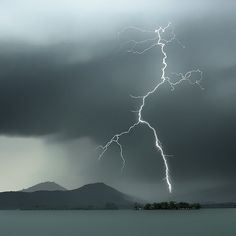 Natural Landscapes WestLake water flashing lightning (by 深白1)