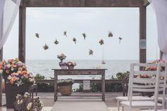 Decoração casamento na praia.