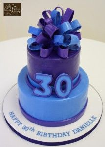 A fun and colorful cake for a birthday party. The bow is made from fondant as is the 30 sitting in the middle. Chocolate Cake with Cookies 'n Cream Blue Birthday Cakes, Purple Birthday, Happy 30th Birthday, Birthday Ideas, Purple Cakes, Its My Bday, Colorful Cakes, Fancy Cakes, Creative Cakes