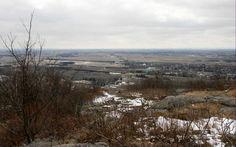 Vue sommet, Mont St-Grégoire, Québec, avril 2016 Avril, Saint, Snow, River, Nature, Outdoor, Mountains, Outdoors, Naturaleza