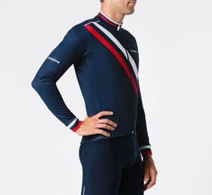 La Passione Winter Jersey Diagonal Blue is the tough winter version of the best-selling Diagonal Jersey. Classic Navy, and a close-fitting Pro aero-cut, the jersey is made from premium, luxurious Italian performance fabric, and lined with fleece-back printable Super Roubaix.