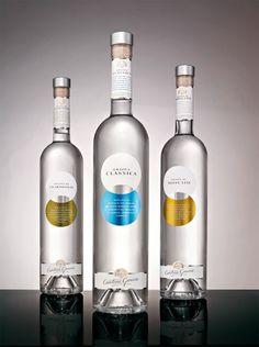 classic circled designed shrink sleeve labels for vodka glass bottles.   #etiquette #bouteille #shrink #sleeves #bottle #labels