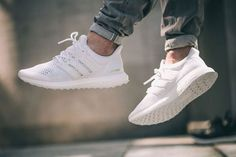 Adidas Ultra Boost J&D White - Cool Sneakers Adidas Schuhe Ultra Boost, Adidas Ultra Boost Women, Adidas Boost White, Me Too Shoes, Men's Shoes, Shoe Boots, Baby Shoes, Kicks Shoes, Dress Shoes