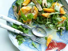 Salada de Frango e Manga com Molho de Curry.