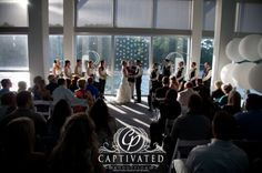 Wedding Photography | Ceremony | Virginia Marine Aquarium and Science Center | Captivated Productions