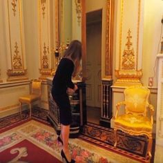 White Drawing Room : the closet swings back, revealing a secret door to the private apartments Windsor Palace, Windsor Castle, Royal Palace, Palais De Buckingham, Buckingham Palace London, Palace Interior, Royal Residence, British Royal Families, Fairytale Castle