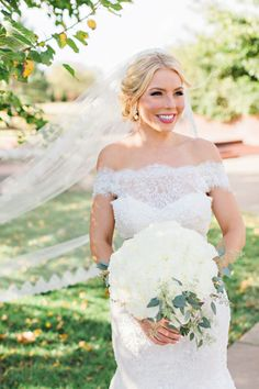 Classic Bridal Beauty Look | Photography: Kristen Edwards Photography | Bridal Gown: Meg Guess Couture Bridal & Boutique | Hair/makeup: Lexi Faught Hair & Makeup | Venue: Coles Garden Wedding and Event Center | #weddings #bridesofok #beauty