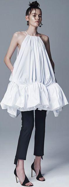 Maticevski Spring Summer 2016 Look 29 on Moda Operandi Runway Fashion, Spring Fashion, High Fashion, Fashion Show, Womens Fashion, Fashion Design, Fashion Trends, Fashion Fashion, 3d Mode