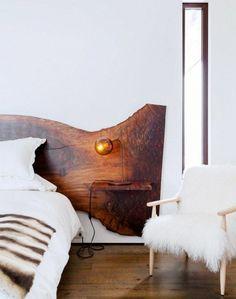 meubles-en-bois-brut-tête-de-lit-et-petit-chevet