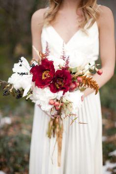 Cranberry Wedding Bouquet #redweddings #redcoloredweddings #weddingideas
