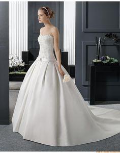 2015 A-linie Glamouröse Moderne Brautkleider aus Satin mit Applikation