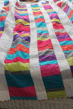 Are your quilt projects getting a little tired? Breathe life into your quilt design with 5 ways to turn any quilt into a modern quilt!