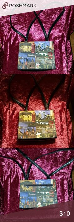 """Frankie & Johnnie London Sequin Purse Cute """"London"""" purse Embellished with beads and sequins Inside & outside zippered pockets Faux leather straps EUC! Frankie & Johnnie Bags Shoulder Bags"""