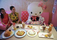Hello Kitty Fine Dining!