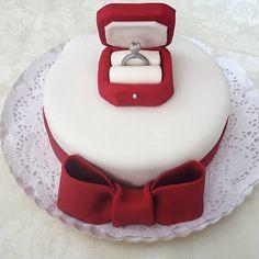 Lulu Cakes: bolo Noivado (R$ 150, 1 kg) é feito com massa de chocolate sem glúten com recheio de chocolate suíço