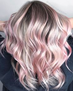 Inspiring Pastel Hair Color Ideas – My hair and beauty Pink Ombre Hair, Pastel Pink Hair, Rose Gold Hair Blonde, Light Pink Hair, Overtone Hair, Hair Dye Colors, Hair Color Balayage, Blonde Hair With Pink Highlights, Haircolor