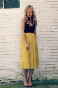 I am really loving this skirt... It may just be my love for the mustard yellow though...