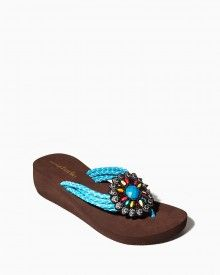 Shop online for boho chic spring and summer shoes like these thong sandals with a small wedge platform, four woven straps and a flower medallion. Plus Size Beach Wear, Trendy Collection, Summer Shoes, Handbag Accessories, Fashion Brand, Boho Chic, Shoes Sandals, Child, Handbags