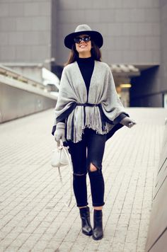 How to mix a grey poncho in your winter outfit : MartaBarcelonaStyle's Blog