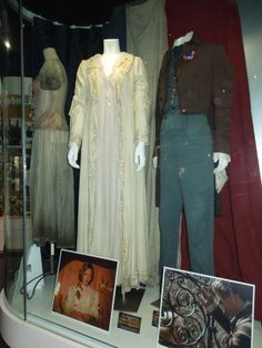 @Sarah Chintomby Whistler lookeeeee!!!!!!!!!!! 'Tis his costume in a display thingy.... D: I wanna see this now...
