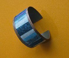 Altres creacions de bijuteria: polsera de filferro, collaret d'argila, anells de xapes, polsera de coure i collaret atrapasons