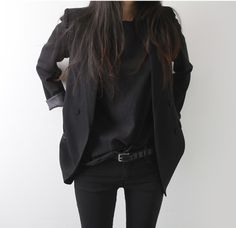 All black outfit, all black everything, edgy style, minimalist edgy style, black blazer, black jeans