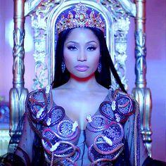 Drake & Lil Wayne - No Frauds. Minaj takes her faces, clothes and jewelry and Drake and Wayne to London to be queen. (Minaj leva suas caras, bocas, roupas e jóias e Drake e Wayne pra reinar em Londres) (dir. Nicki Minaj Fotos, Nicki Minaj Makeup, Nicki Minaj Barbie, Nicki Manaj, New Nicki Minaj, Nicki Minaj Wallpaper, Nicki Minaj No Frauds, Rihanna, Beyonce