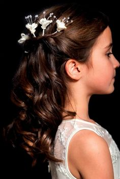 Classic hairstyle for a flower girl or junior bridesmaid.