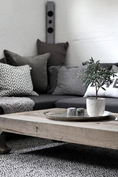 5 Calm Cool Tips: Natural Home Decor Bedroom Rugs natural home decor living room window.Natural Home Decor Diy Inspiration natural home decor earth tones pillow covers.Natural Home Decor Modern Inspiration. Living Room Grey, Home Living Room, Living Room Decor, Dark Grey Carpet Living Room, Decor Room, Living Area, Bedroom Decor, Wall Decor, Living Room Inspiration