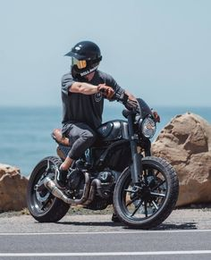 The scrambler Ducati build out and about Image by Ducati Scrambler Custom, Ducati Motorcycles, Moto Bike, Cafe Racer Motorcycle, Motorcycle Outfit, Motorcycle Store, Motorcycle Quotes, Cafe Racer Helmet, Motorcycle Helmet