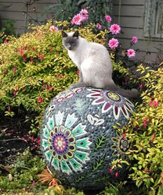 Garden mandala rock Garden Art by Clare Dohna Garden Spheres, Garden Balls, Mosaic Garden Art, Mosaic Art, Mosaic Tiles, Mosaic Crafts, Mosaic Projects, Garden Crafts, Garden Projects