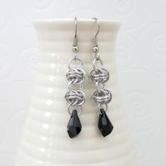 Chainmail earrings with black Swarovski