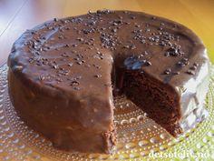 Café Stings sjokoladekake, av Det søte liv (in Norwegian) Sweets Cake, Cookie Desserts, No Bake Desserts, Dessert Recipes, Fruit Cakes, Norwegian Cuisine, Norwegian Food, Delicious Cake Recipes, Yummy Cakes