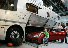 Mobile home with modern and contemporary interior designs: modern motor homes with garage