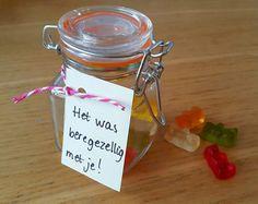 Afscheid traktatie voor de juffen op de opvang - Oh yeah baby! Cute Gifts, Diy Gifts, Ibiza Party, Diy Presents, Original Gifts, Thank You Gifts, Birthday Presents, Creative Gifts, Small Gifts