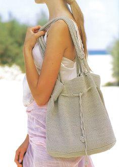 Natural crochet bag - free pattern.