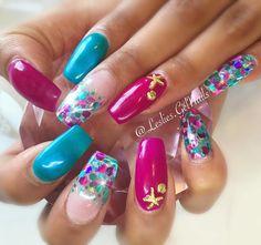 """High Dive"" and ""Purple Crush"" with ""Peacock Palace""  from @glitter_heaven_australia for @shy_shyyyy #nails#kelowna#gelnails#sculptedgel#lesliesgelnails#naildesign#pretty#cute#nailart#kelownagelnails#sculptedgelnails#nailsoftheday#kelownanailtech#glitter#glitternails#glitterheavenaustralia#ballerina#ballerinanails#encapsulatedglitter#coffinnails#turquoise#turquoisenails#purple#purplenails#longnails#summernails"
