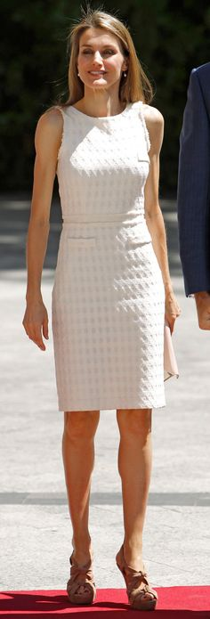 Queen Letizia - White tweed dress - Miu miu sandals