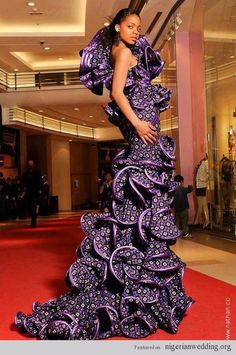 Amazing, African Wedding dress...WOW!  I couldn't pull this off but I appreciate the beauty