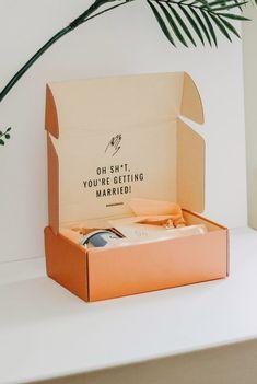 Mailer box design for bridal gift box company Vowed Box Co. Gift Box Packaging, Print Packaging, Packaging Ideas, Design Packaging, Box Branding, Bride Box Gift, Bride Box Ideas, Custom Mailer Boxes, Custom Boxes