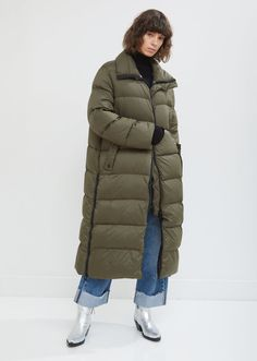Ultra Light Long Fox Parka by Army by Yves Salomon- La Garçonne Cute Casual Outfits, Stylish Outfits, Fashion Outfits, Long Parka, Autumn Fashion, Winter Jackets, Clothes For Women, Army, Zipper Pulls