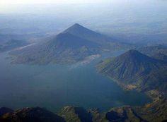 Guatemalan volcanoes  Volcanes en el lago de Atitlán: Tolimán, Atitlán y San Pedro.