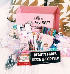 Christmas came a month early over here and we couldn't be more excited! We just received our first BEAUTY CON BFF BOX an. Tween Gifts, Bff Gifts, Monthly Subscription Boxes, Subscription Gifts, Diy Presente Bff, Birthday Box, Birthday Gifts, Diy Cadeau Noel, Just In Case