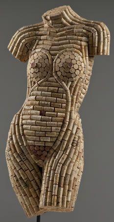 Sculptures en bouchons de liège.   Artiste : Diane Bannon