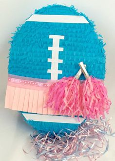 Love this pinata for a football gender reveal party! Fall Gender Reveal, Gender Reveal Pinata, Gender Reveal Balloons, Gender Reveal Party Decorations, Gender Party, Baby Gender Reveal Party, Reveal Parties, Baby Shower Themes, Football